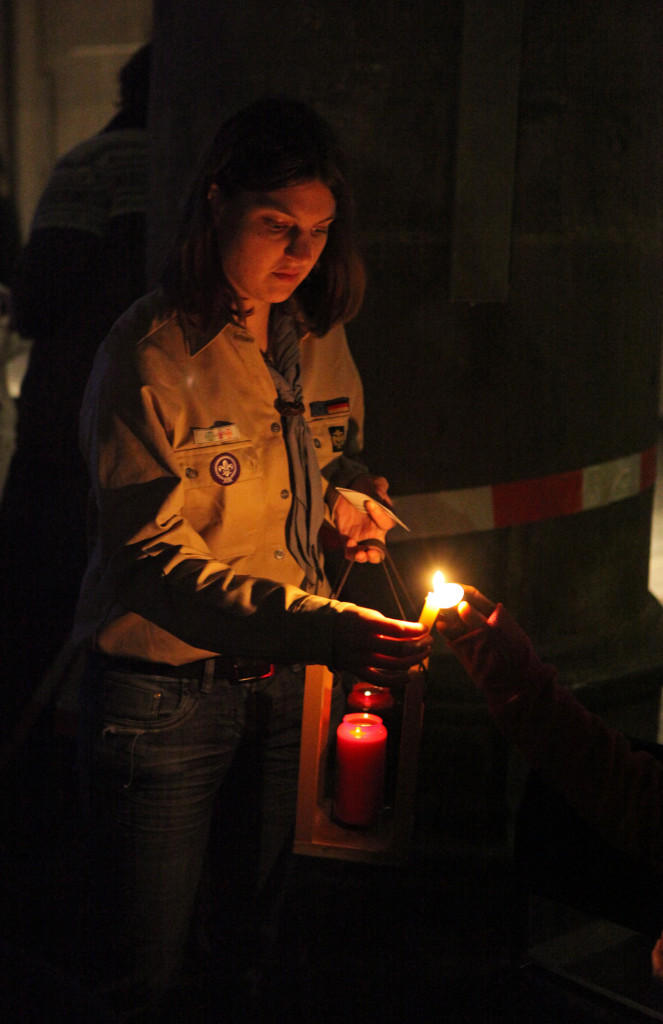 4_Friedenslicht CityKirche 16.12.2011
